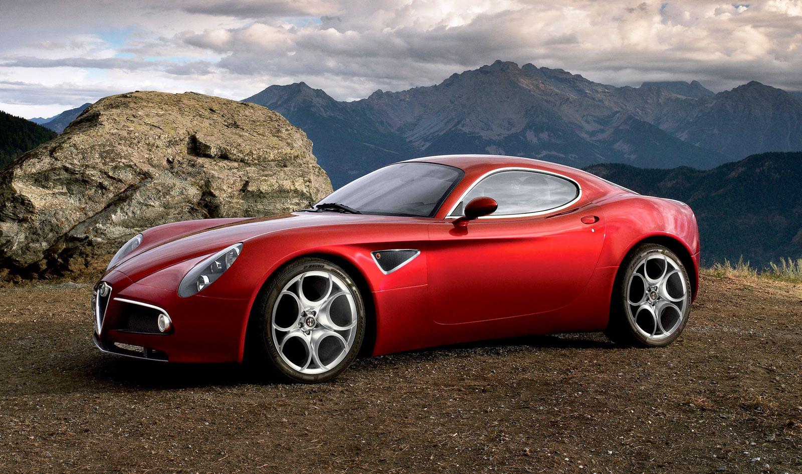 Alfa Romeo's Giulia Quadrifoglio Thrills Us And Goodwood's Huge Crowds 10