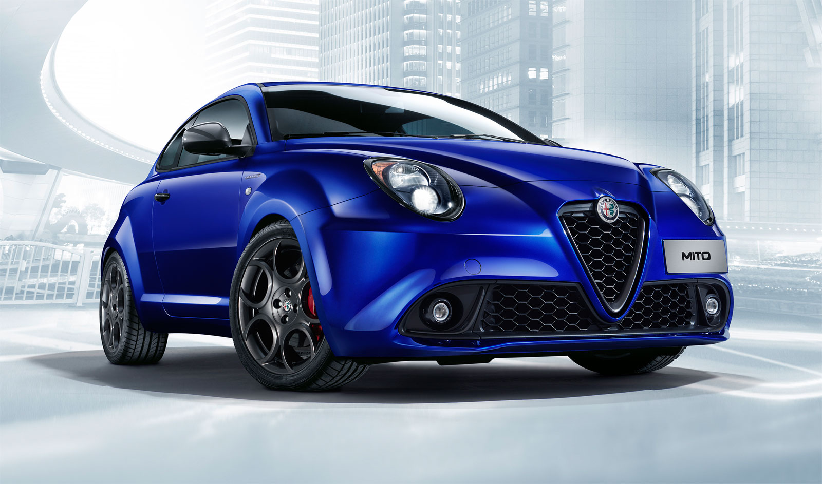 Alfa Romeo's Giulia Quadrifoglio Thrills Us And Goodwood's Huge Crowds 8