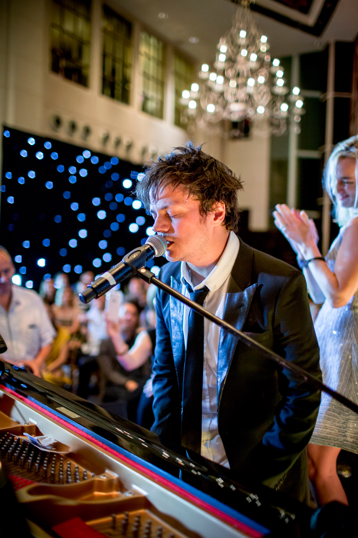 Jamie Cullum wows the audience at the St. Regis Singapore