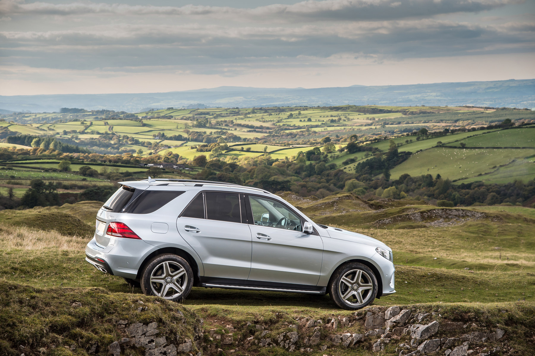 Mercedes-Benz GLE 350d SUV 4Matic AMG Line Road Test 13