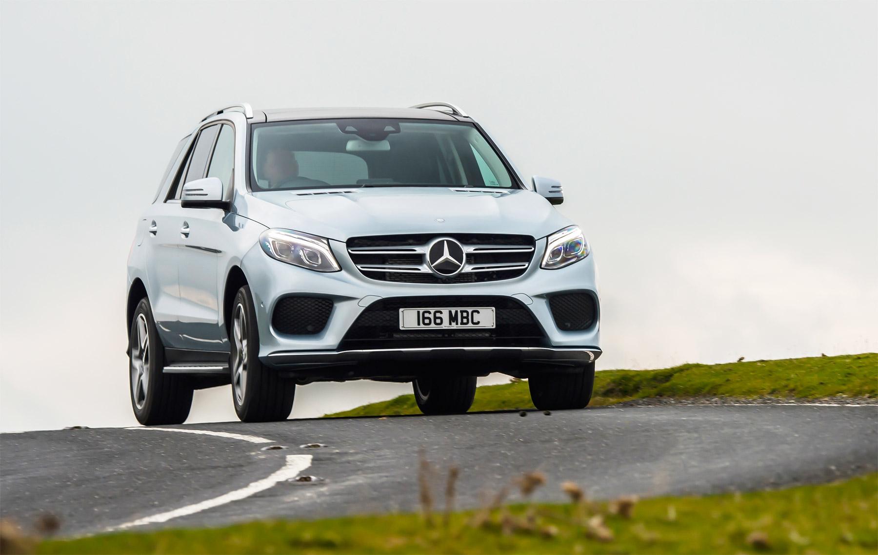 Mercedes-Benz-GLE-350d-8