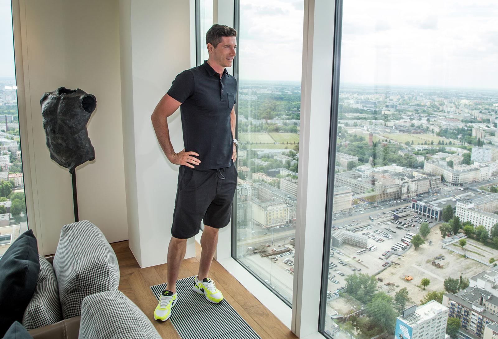 Robert Lewandowski admiring the view at Zlota 44