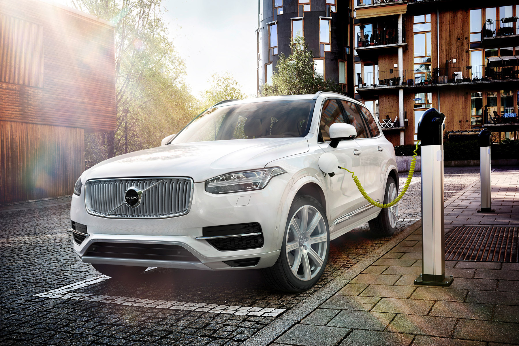 Charging the Volvo XC90 T8