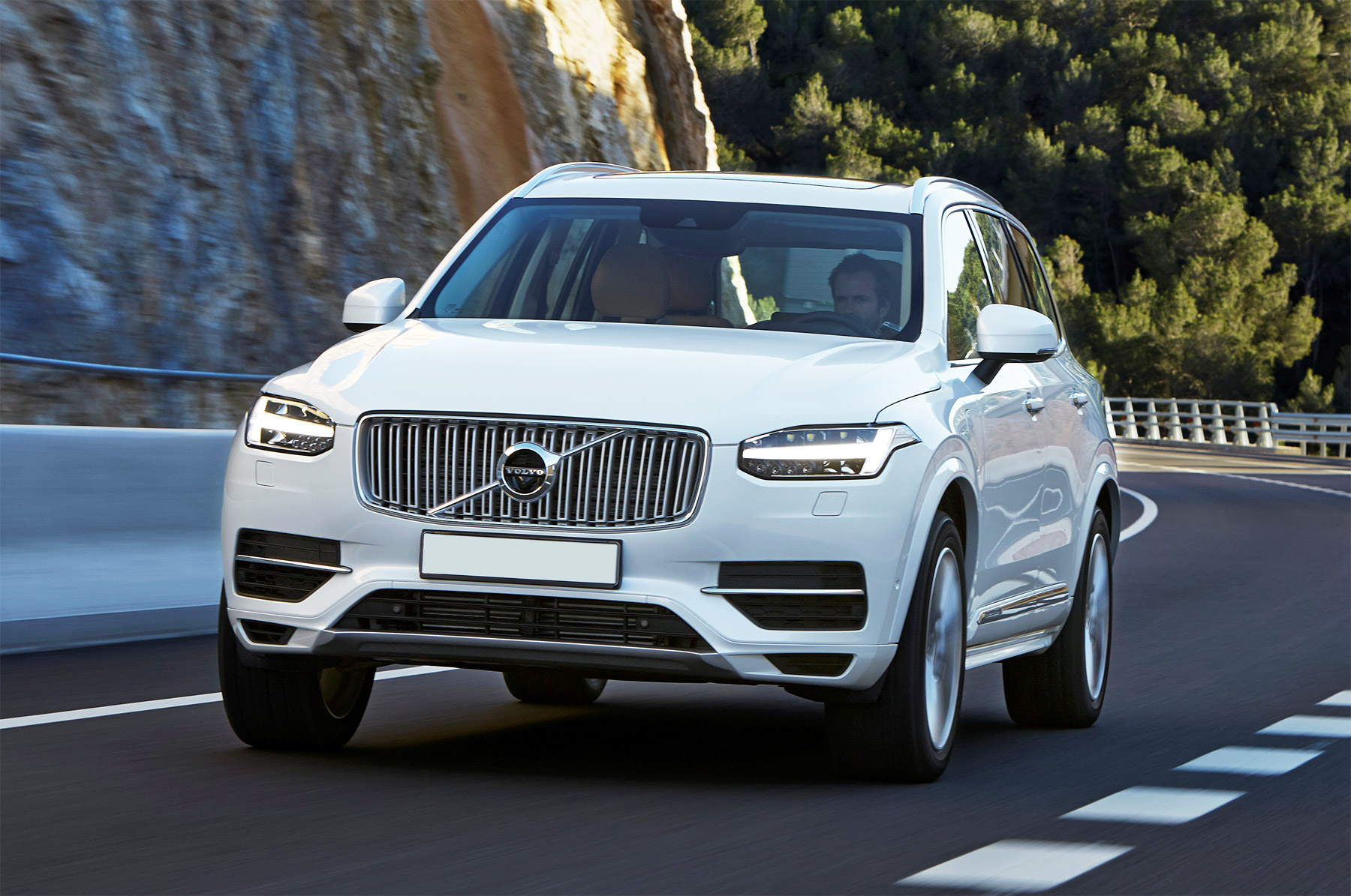Road Test On Volvo's Award-Winning XC90 T8 Plug-in Hybrid 5