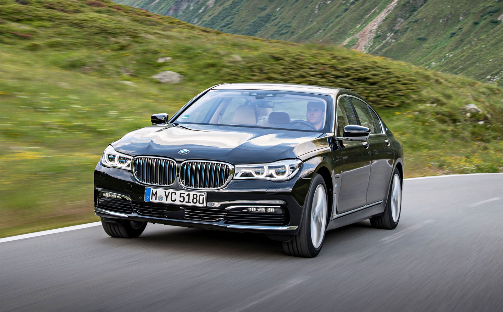 BMW i Technology Makes Debut On The New BMW 740e And 740Le xDRIVE