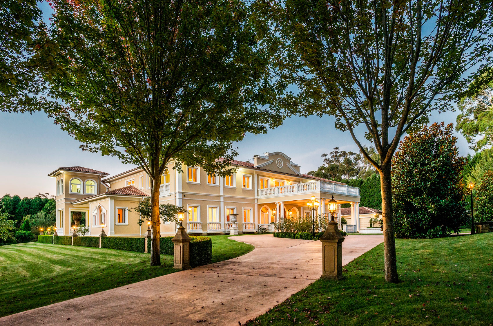 A Slice Of Italy's Lake Como In The Heart Of Heavenly Bowral