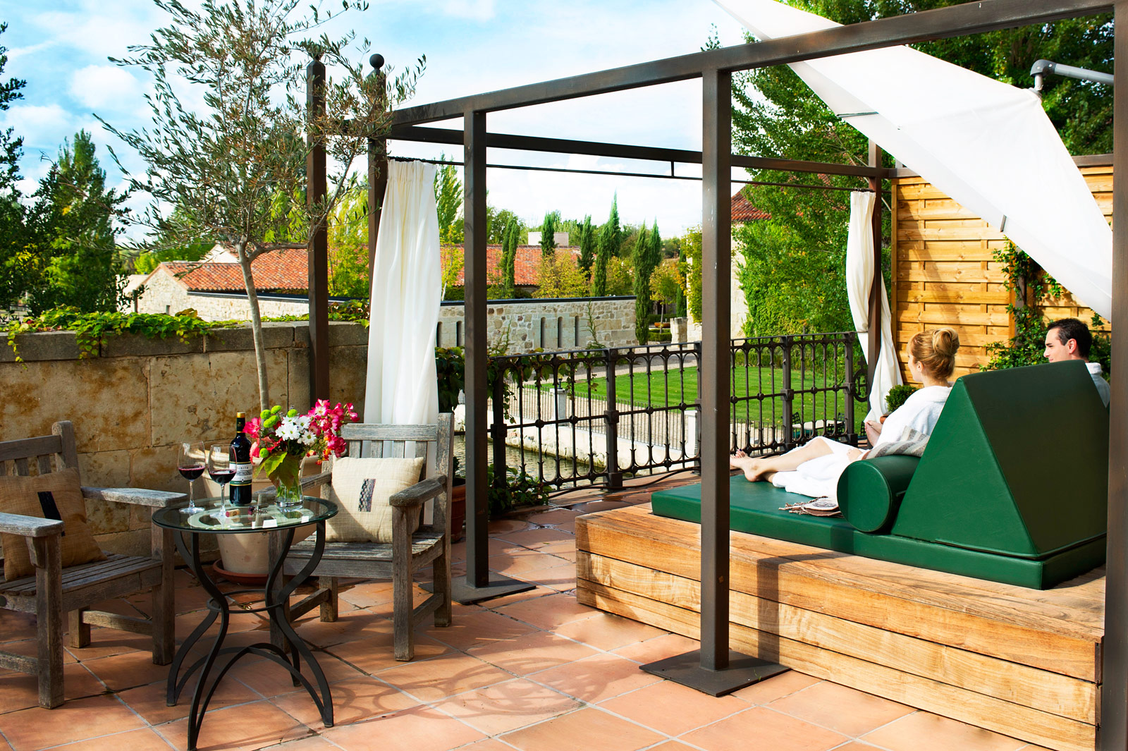 Hacienda-Zorita-Wine-Hotel-and-Spa-outdoors