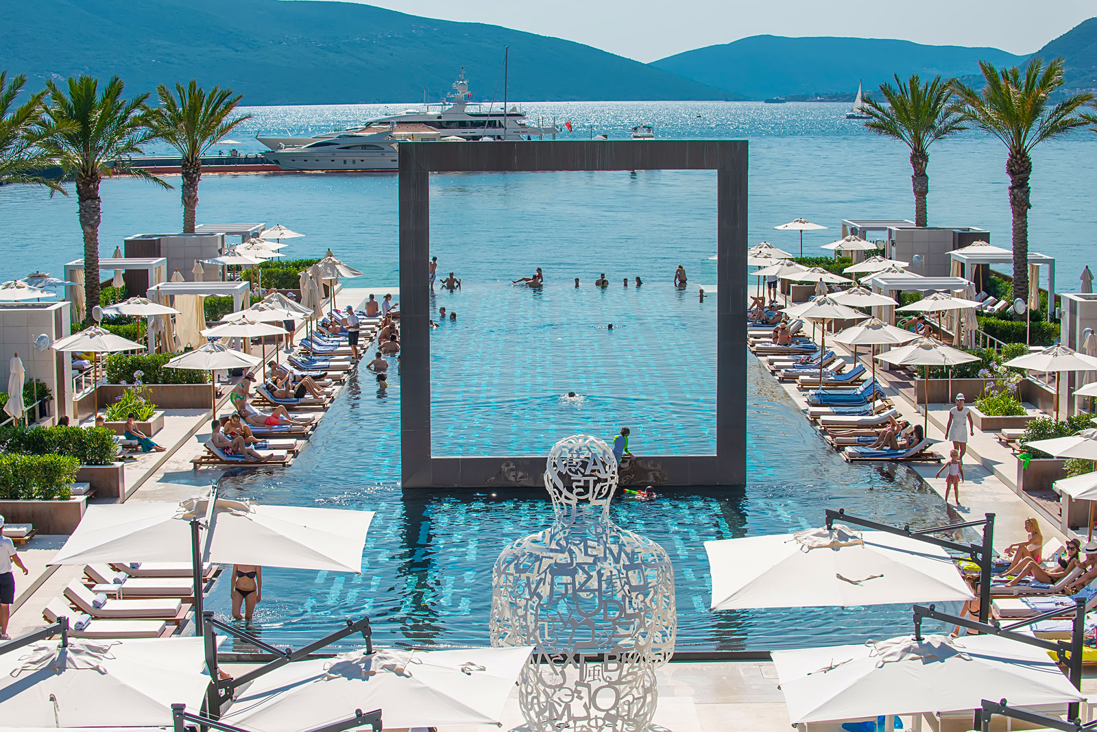 Porto Montenegro Yacht Club Pool is acknowledged with an award by the World's Finest Clubs®
