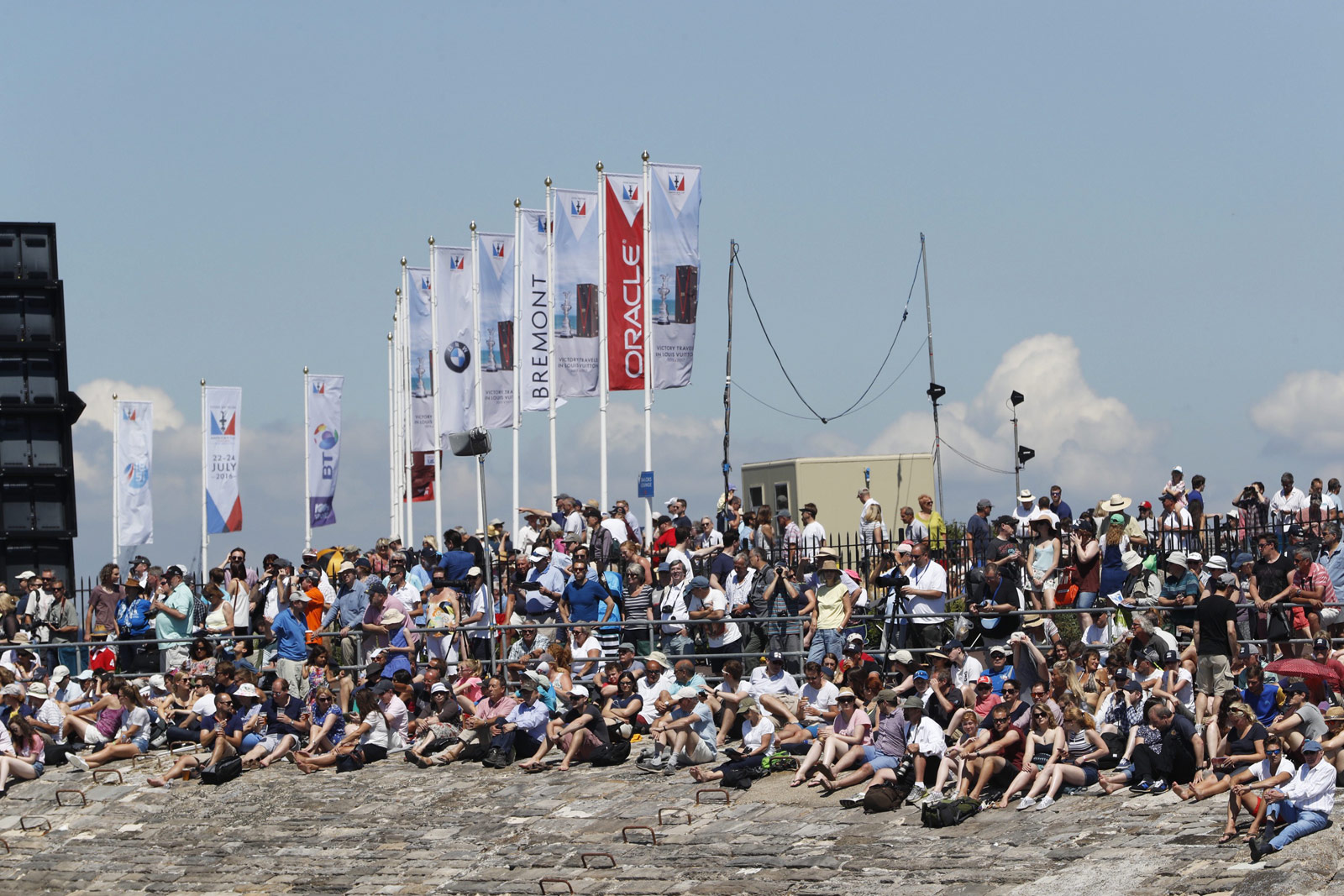 Portsmouth-America-Cup-World-Series-crowds