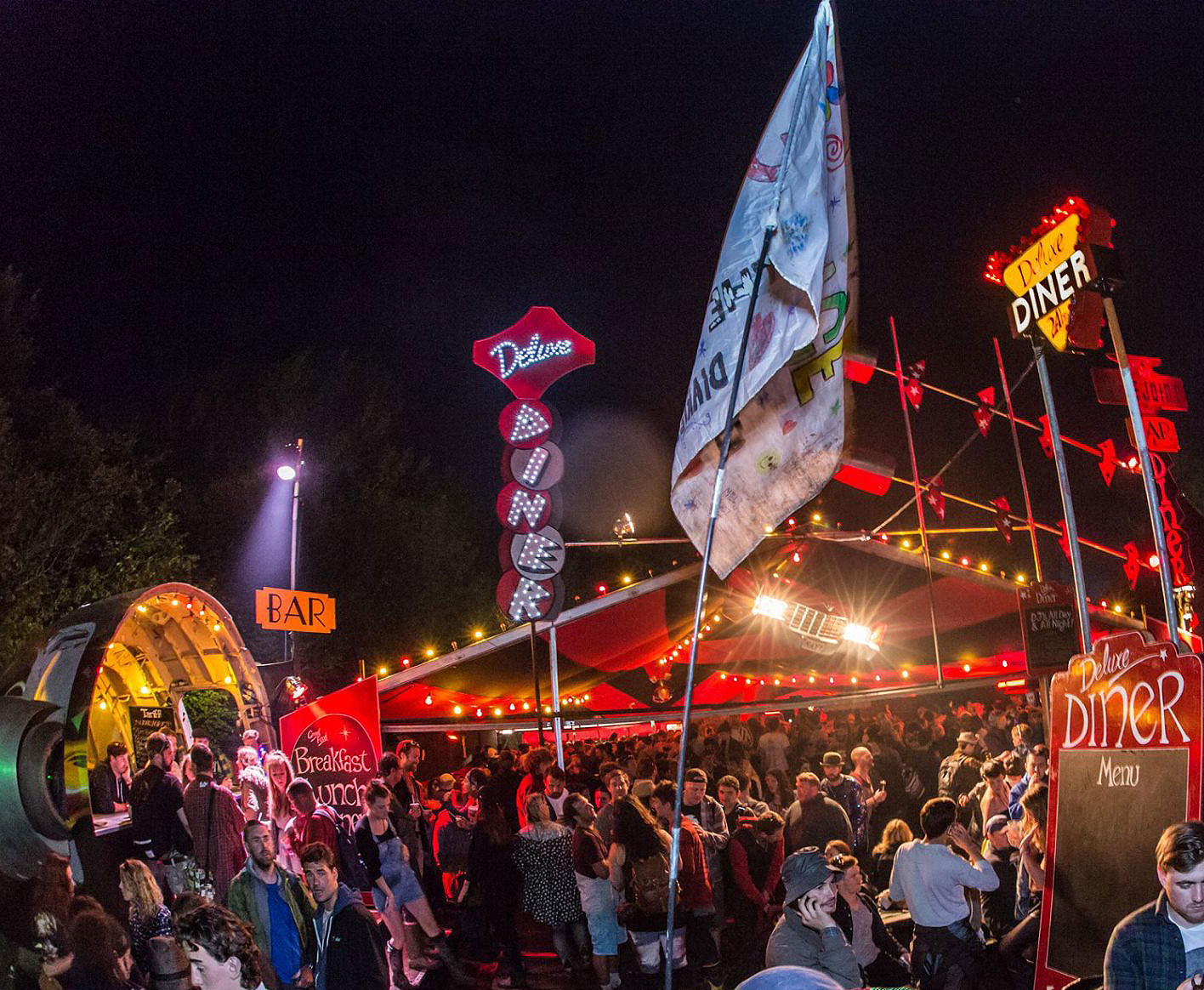 The Luxurious Magazine A-Lister's Guide To The Glastonbury Festival 14