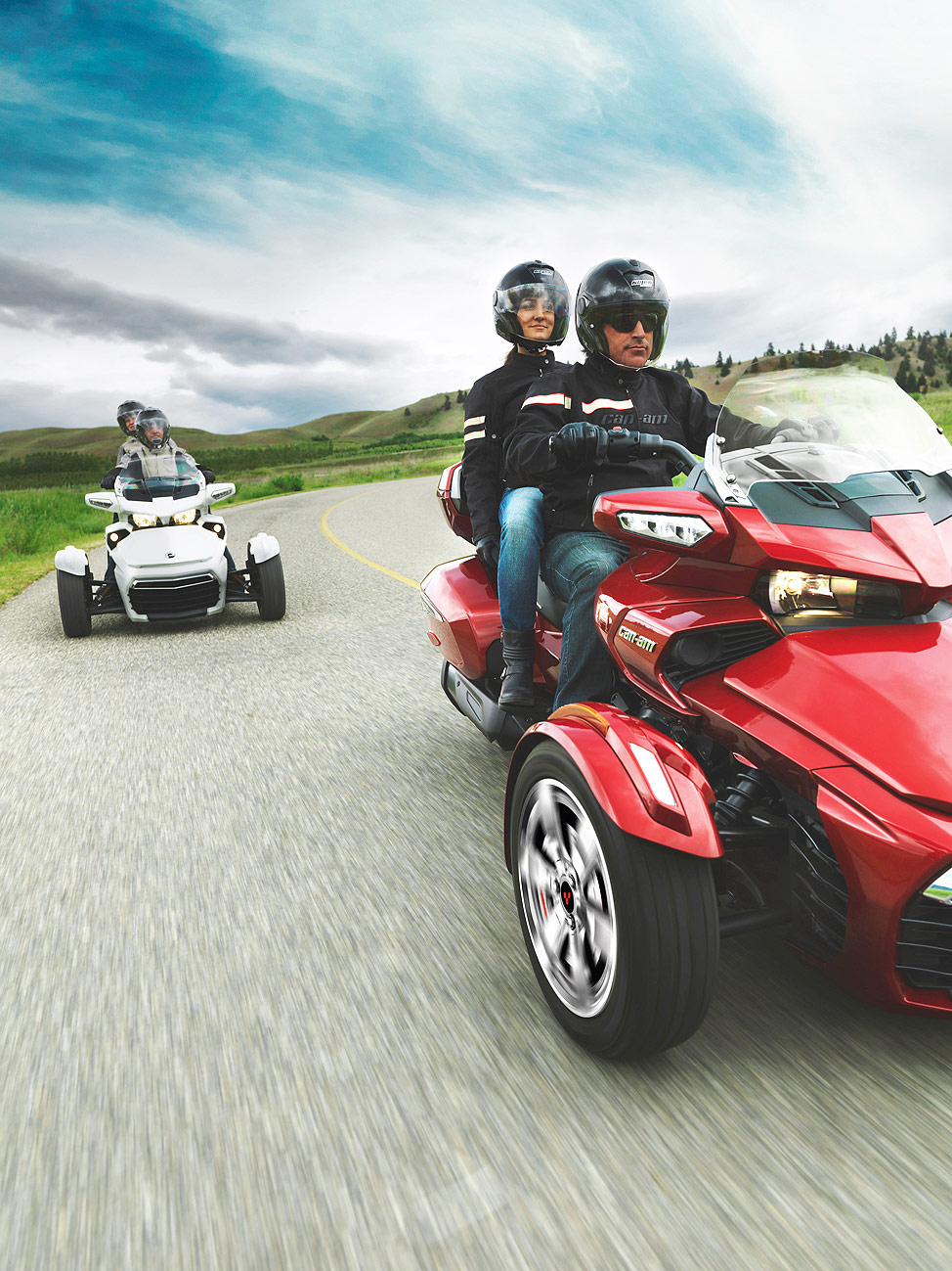 The Can-Am Spyder F3 Limited Brings Touring Capability To 2017 The Line-up 7