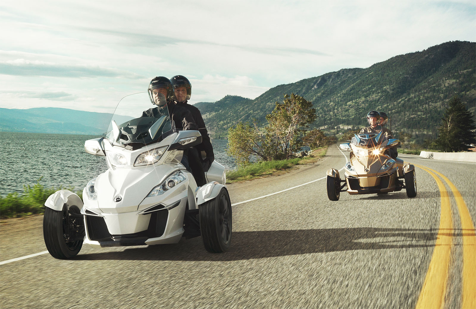 The Can-Am Spyder F3 Limited Brings Touring Capability To 2017 The Line-up 8