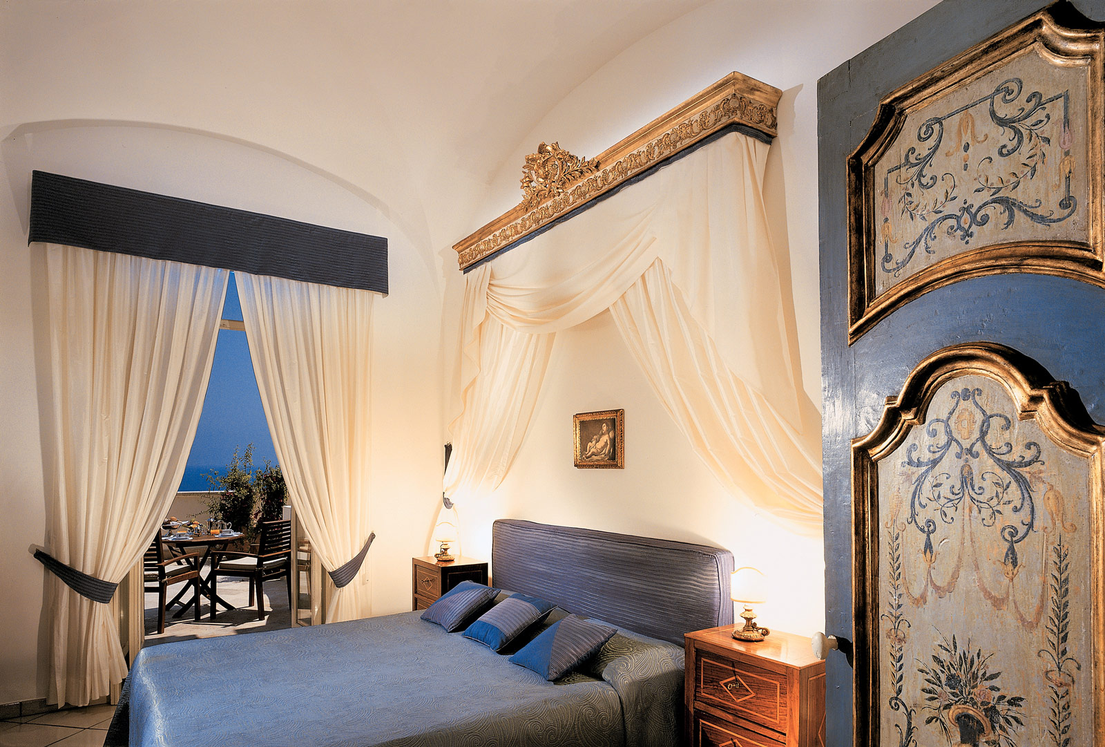 One of the stunning suites in the Hotel Santa Caterina