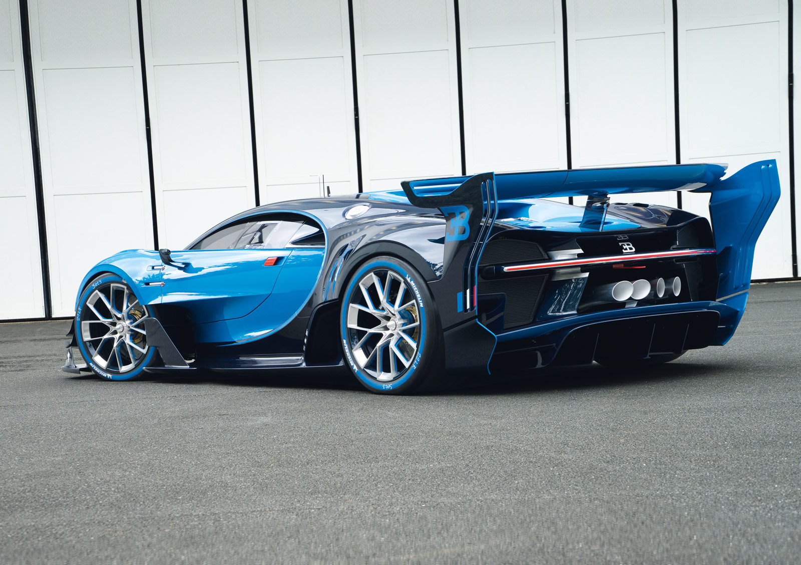 Chiron Amp Vision Gran Turismo Head To Monterey Car Week 2016