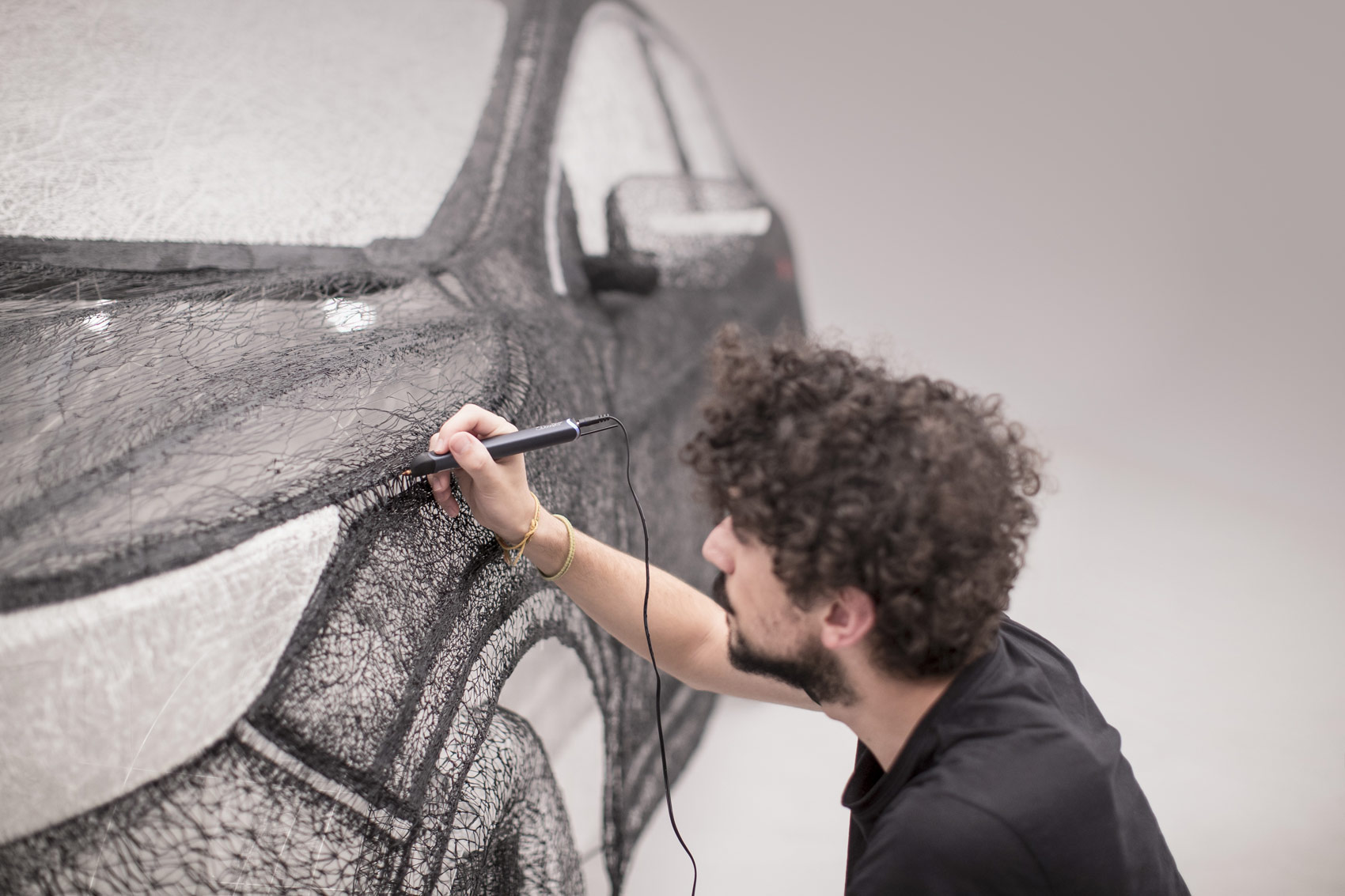 Nissan-Qashqai-Black-Edition-3Doodler-3D-Pen-2