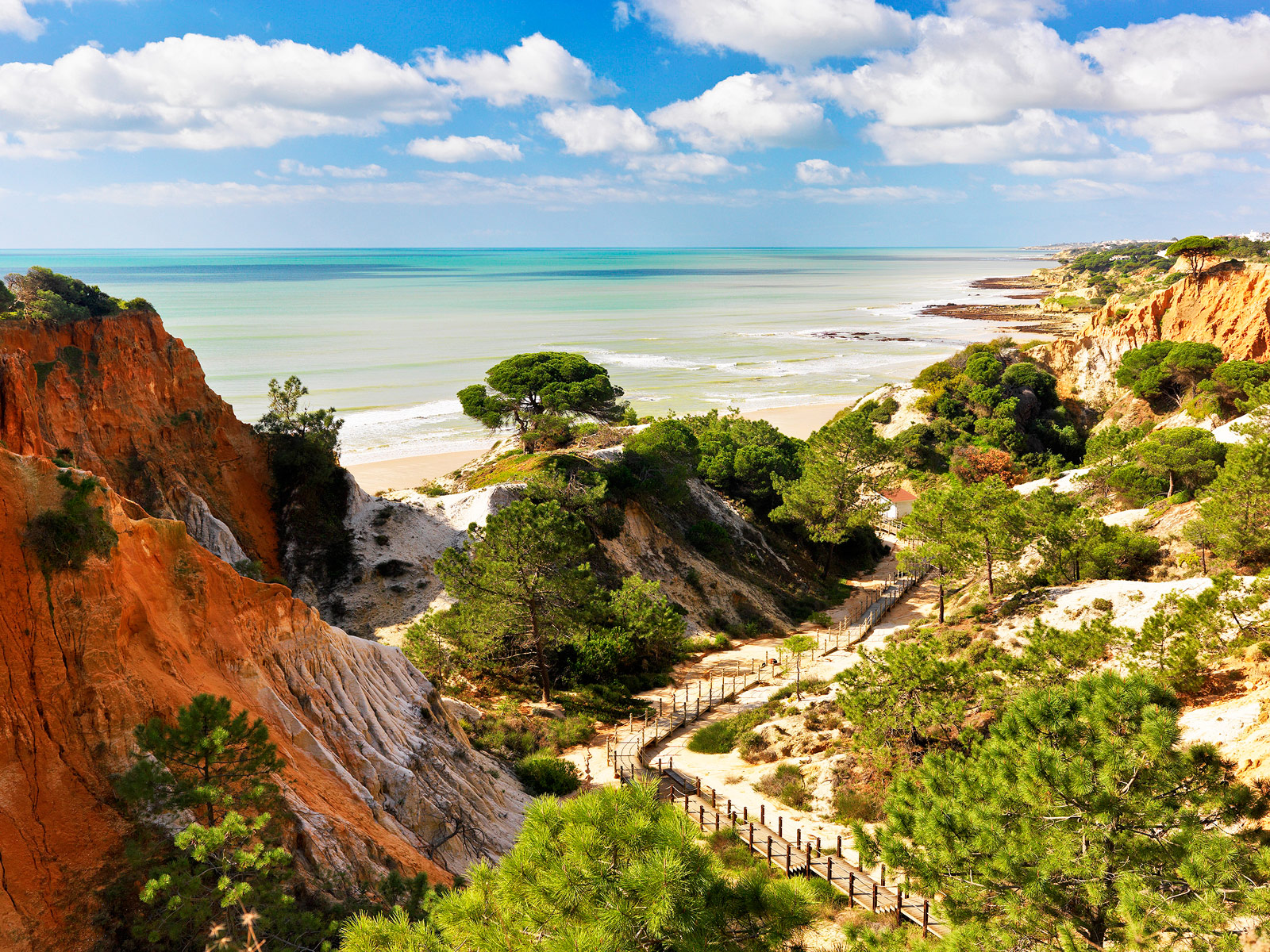 Pine cliffs ocean suites luxury launch on the algarve for Hotel luxury algarve