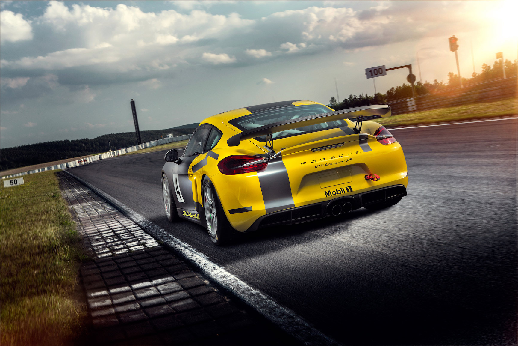 North American Customers Get Updated Porsche GT4 Clubsport MR Package