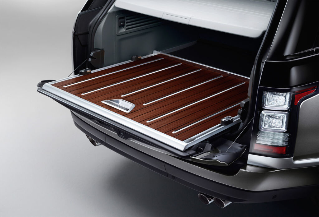 The wood-inlaid folding tailgate on the Range Rover SVAutobiography