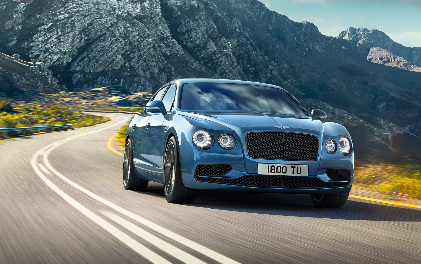 Bentley Motors New 200mph+ Flying Spur W12 S Sedan