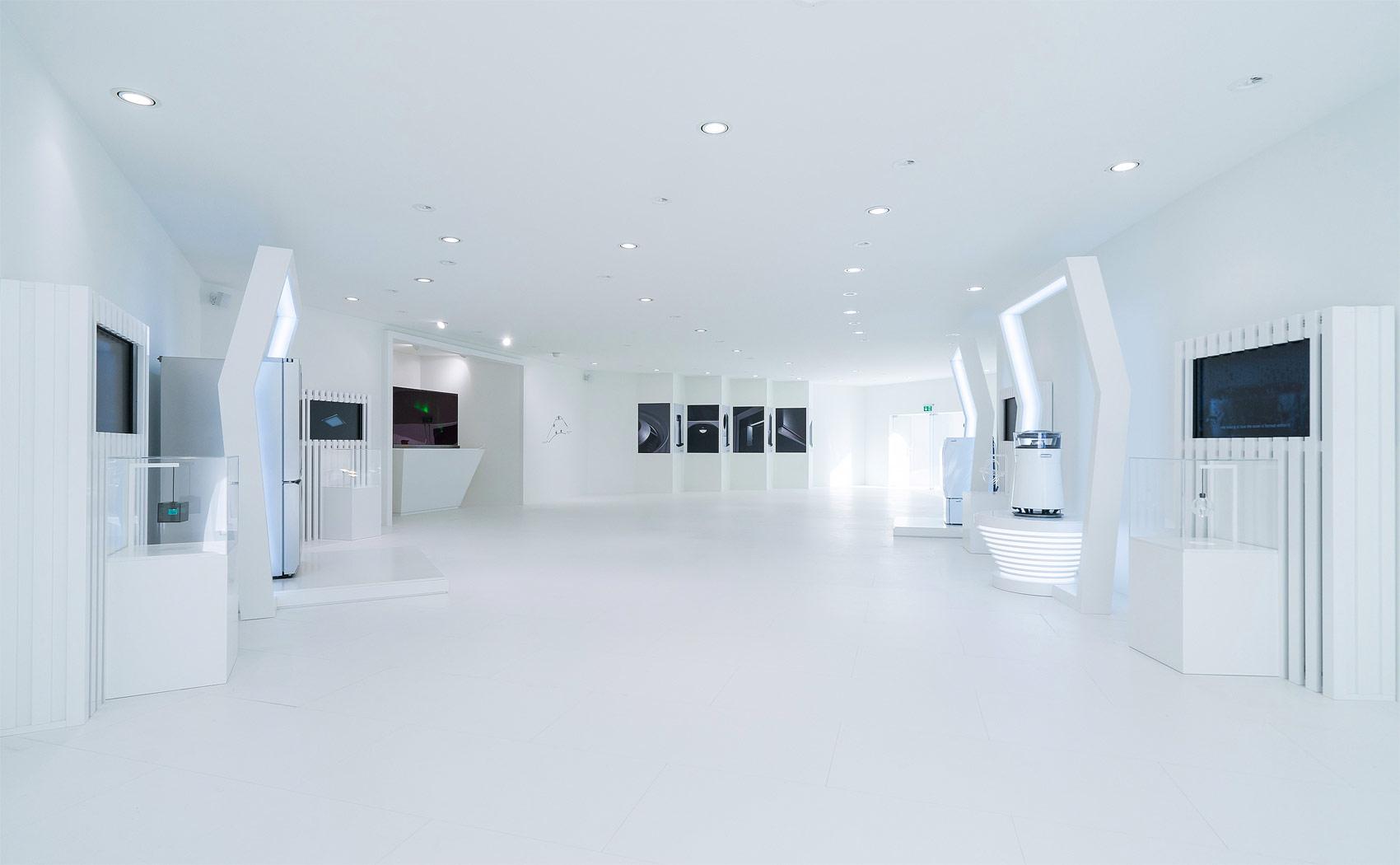 LG Launches New Ultra-Luxury 'LG SIGNATURE' Range In Berlin 10