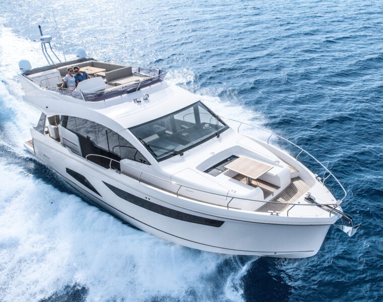 Sealine's F530 is powered by Volvo Penta's D8 engine with IPS drive