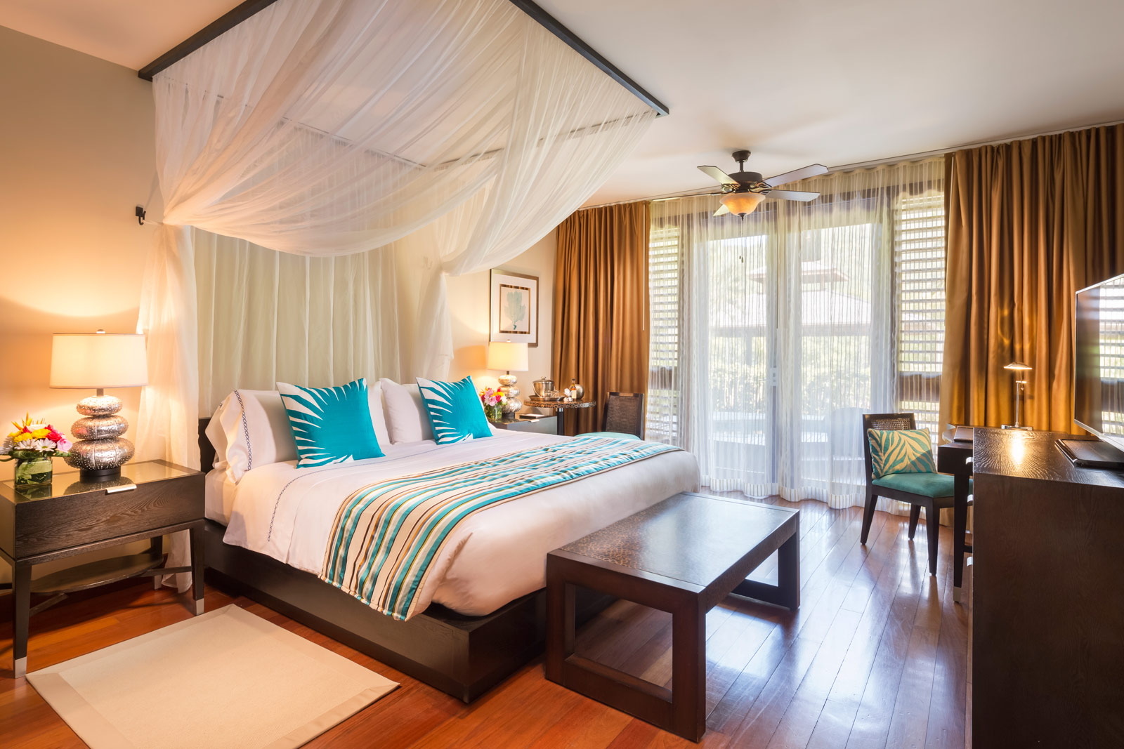 The elegant West Indian-inspired décor ensures both comfort and luxury in equal measures.