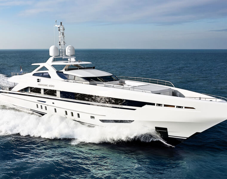 Luxurious Magazine Dives Into The Heart Of The Amore Mio Superyacht