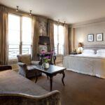 Living Like A Queen At Le Pavillon De La Reine In Paris 4