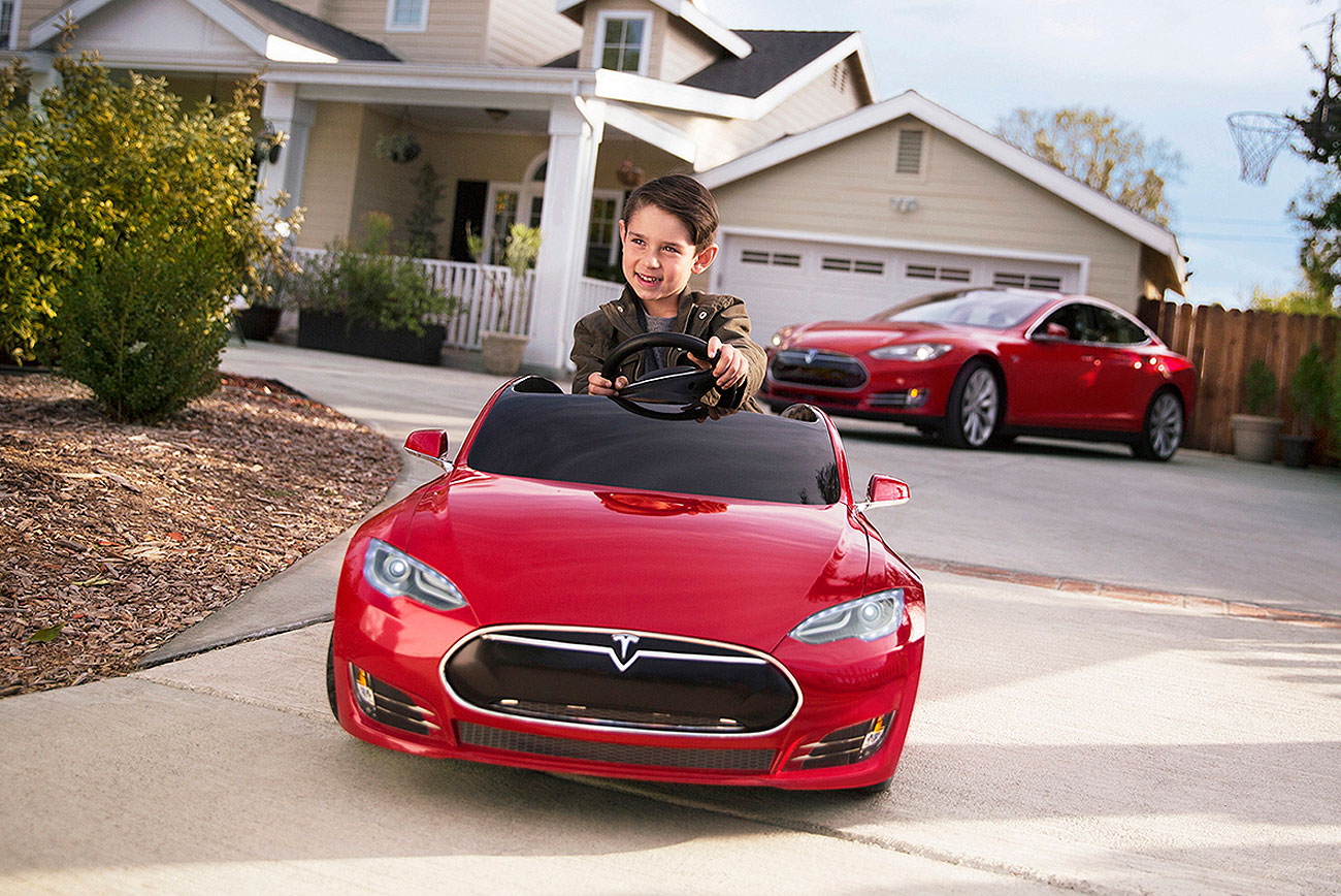 Tesla Introduces A New Model S And It's Only Going To Cost You £500!