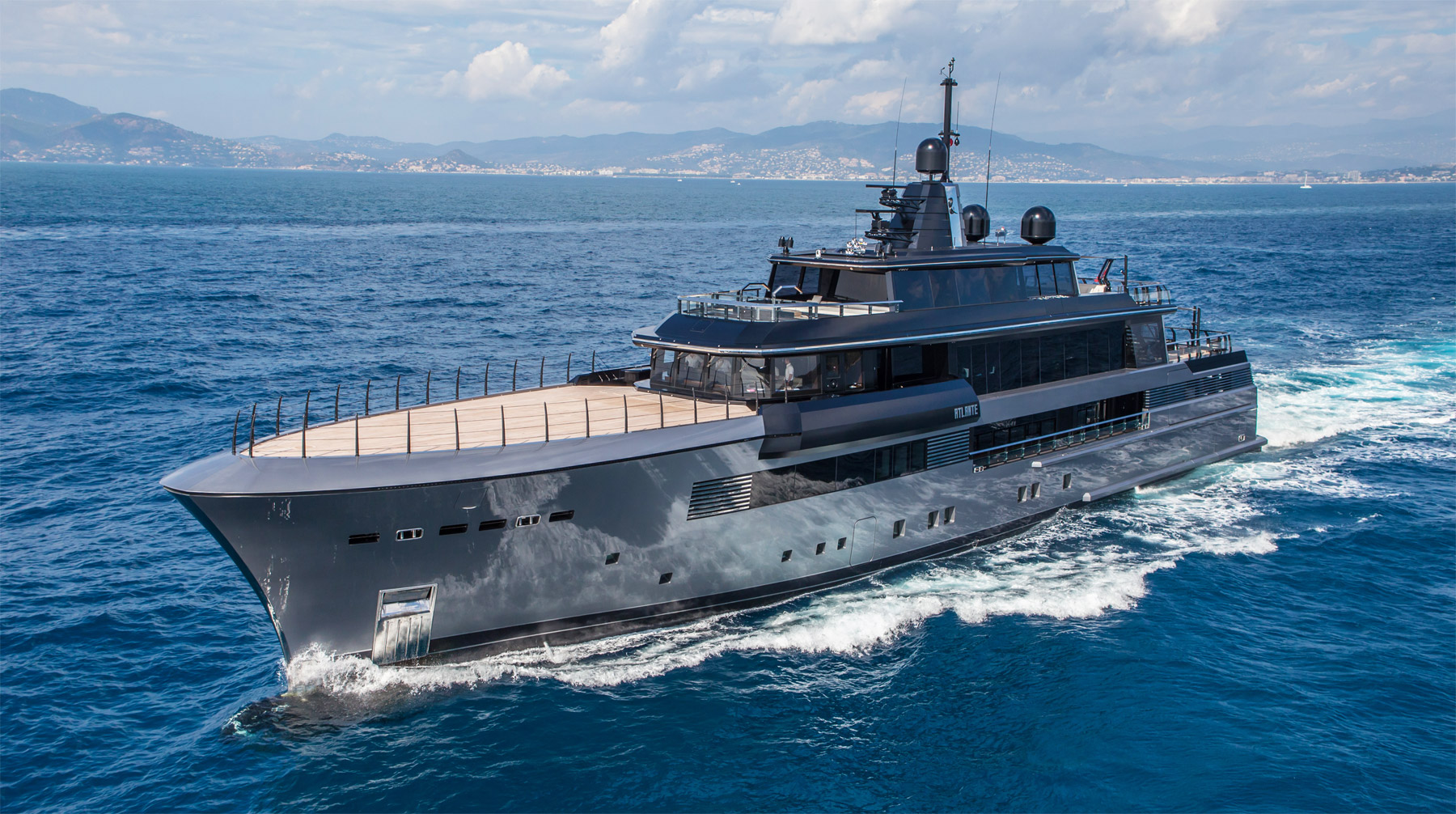 CRN M/Y Atlante Wins 'Best Power Design Award 2016' In Fort Lauderdale