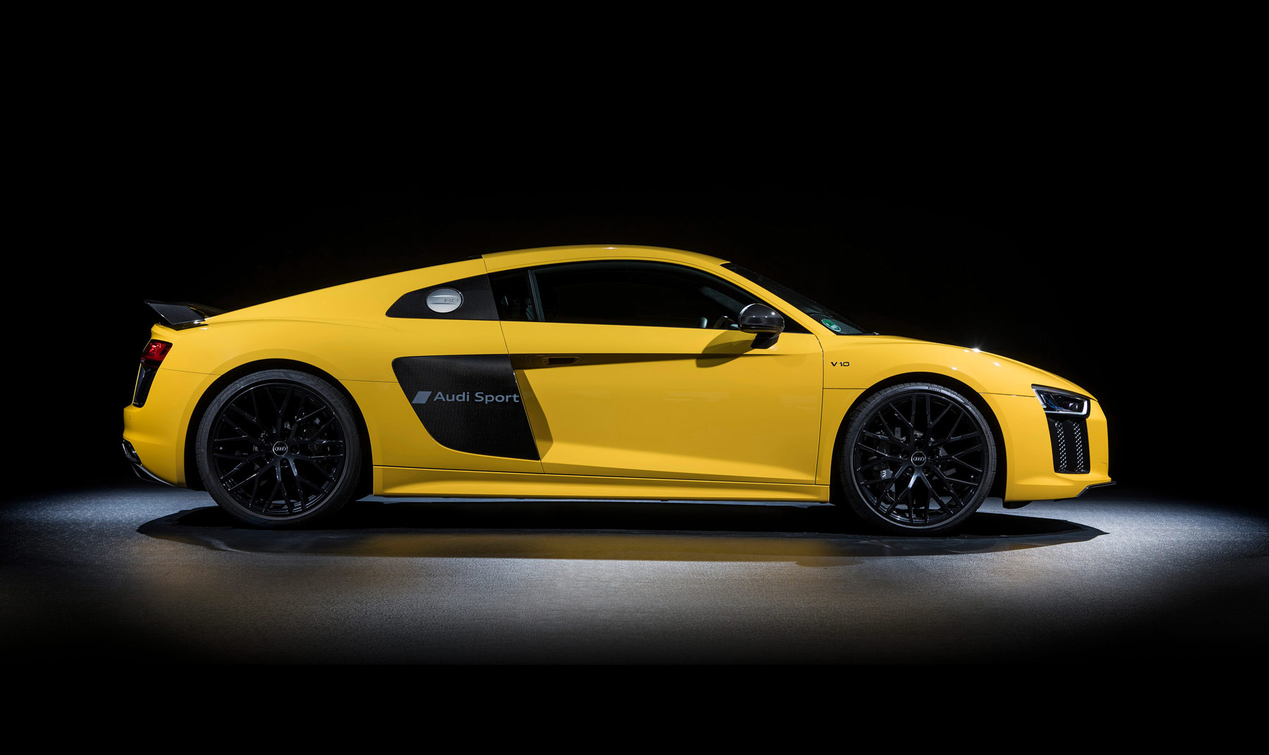 Audi's R8 Supercar Gets New Sideblade Script Option
