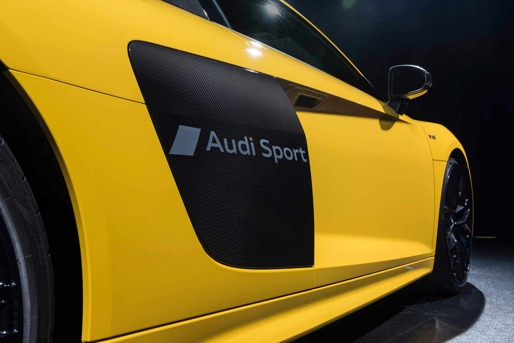 Express Yourself: Audi's R8 Supercar Gets New Sideblade Script Option