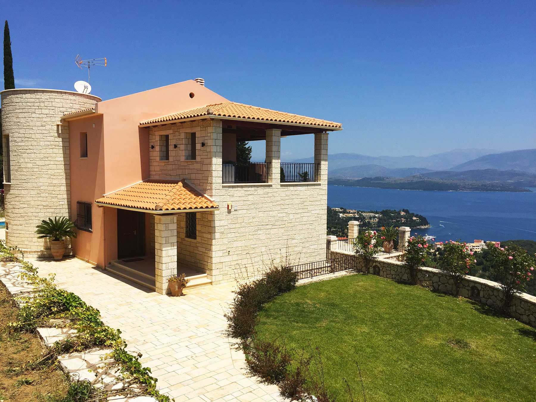 Kentroma-House-in-Corfu