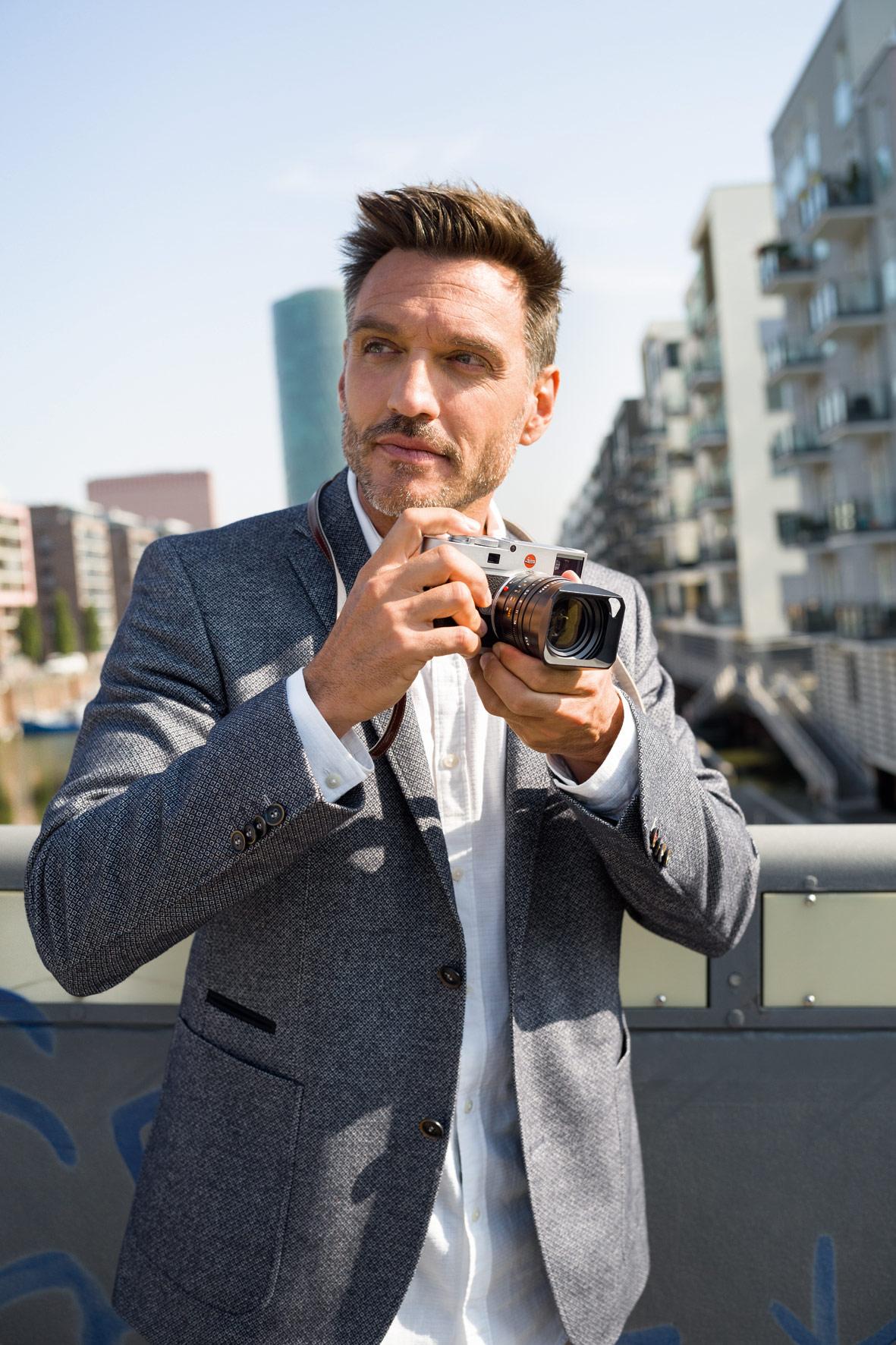 Exploring The Ultra-Slim 24 MP Leica M10 Digital M Rangefinder Camera 6