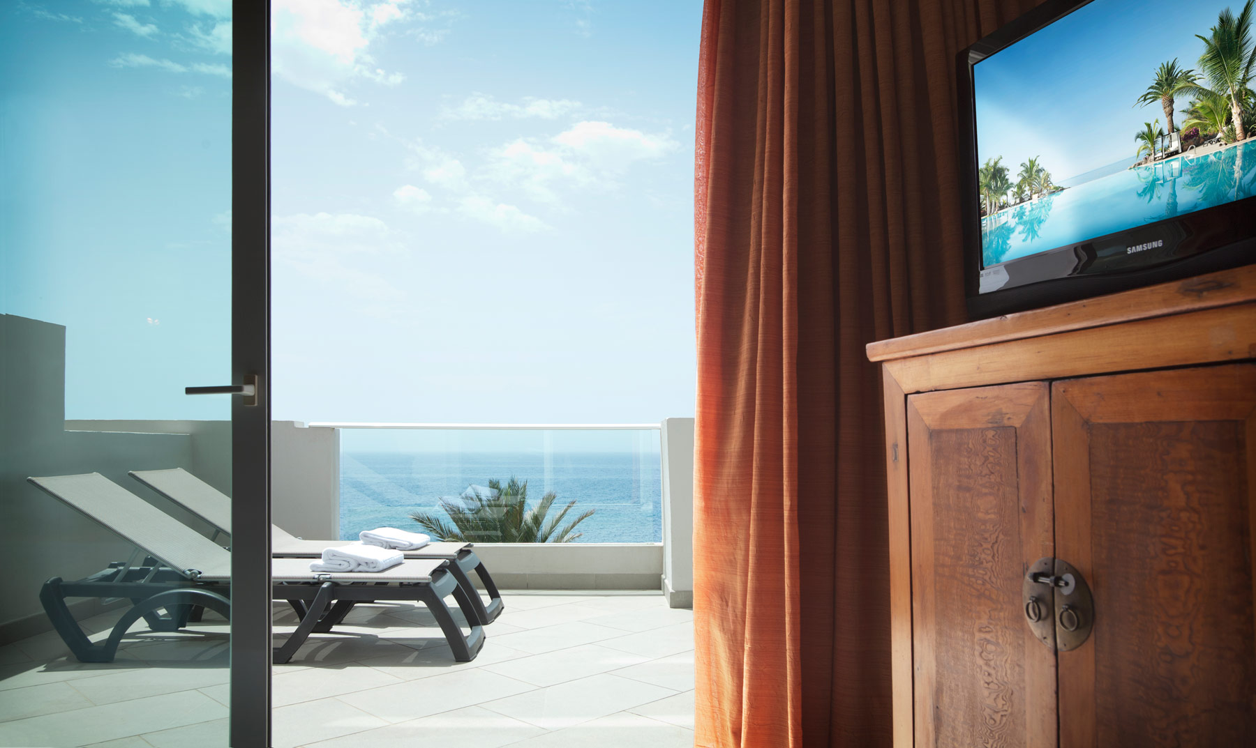Lift Yourself And Let Roca Nivaria Gran Hotel Bring You To The Ocean 5