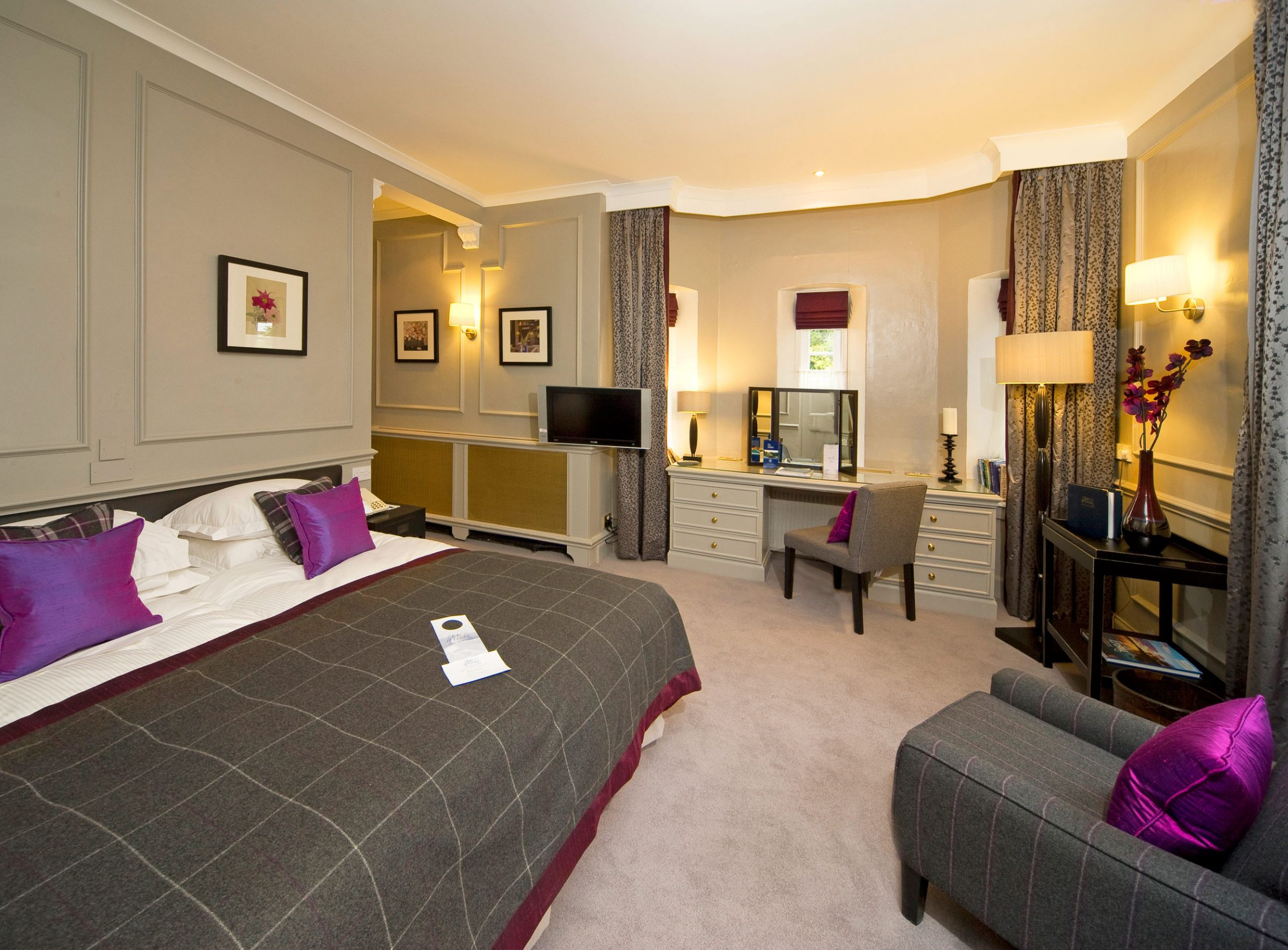 The-Isle-of-Eriska-Hotel-bedroom