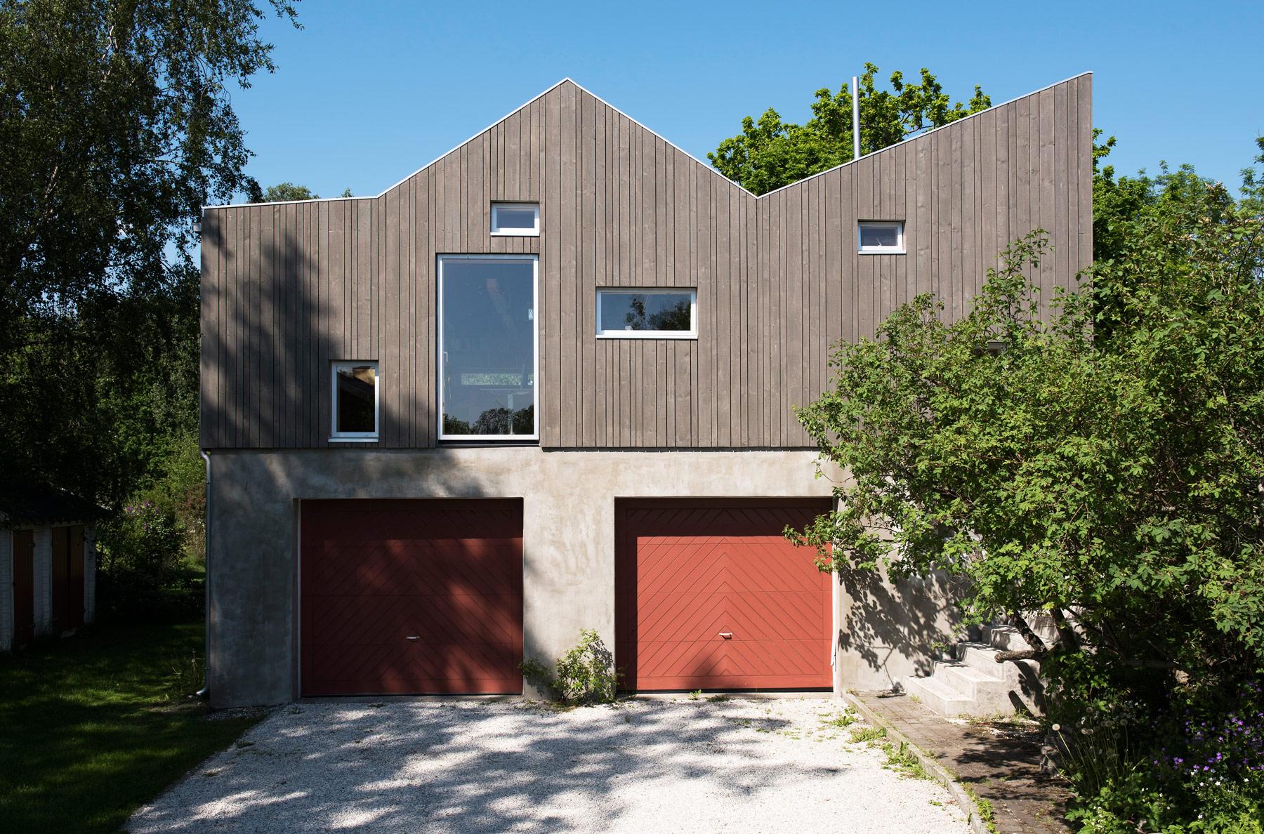 Vincenzo-Marchese-Petter-Nordahl-Kebony-Wood-Garage