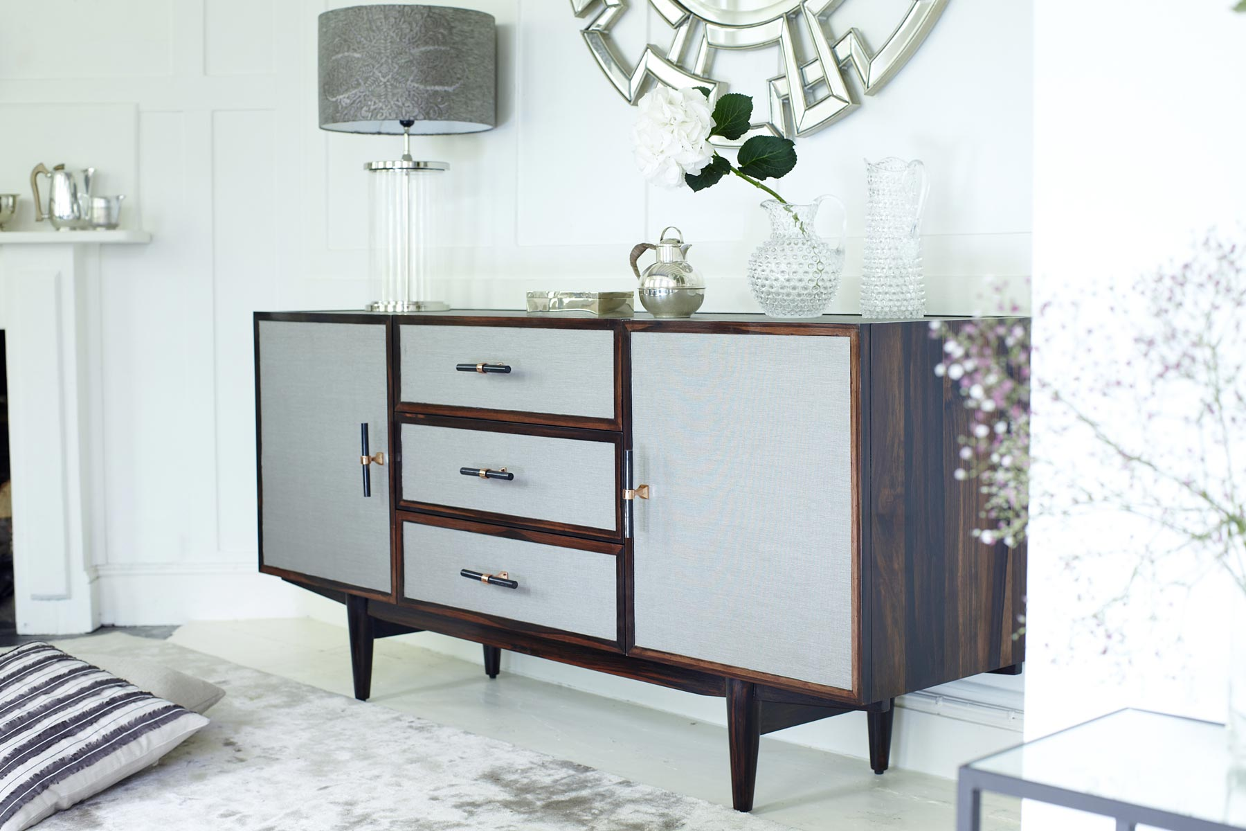 Mufti Maestro sideboard with horn and brass handles