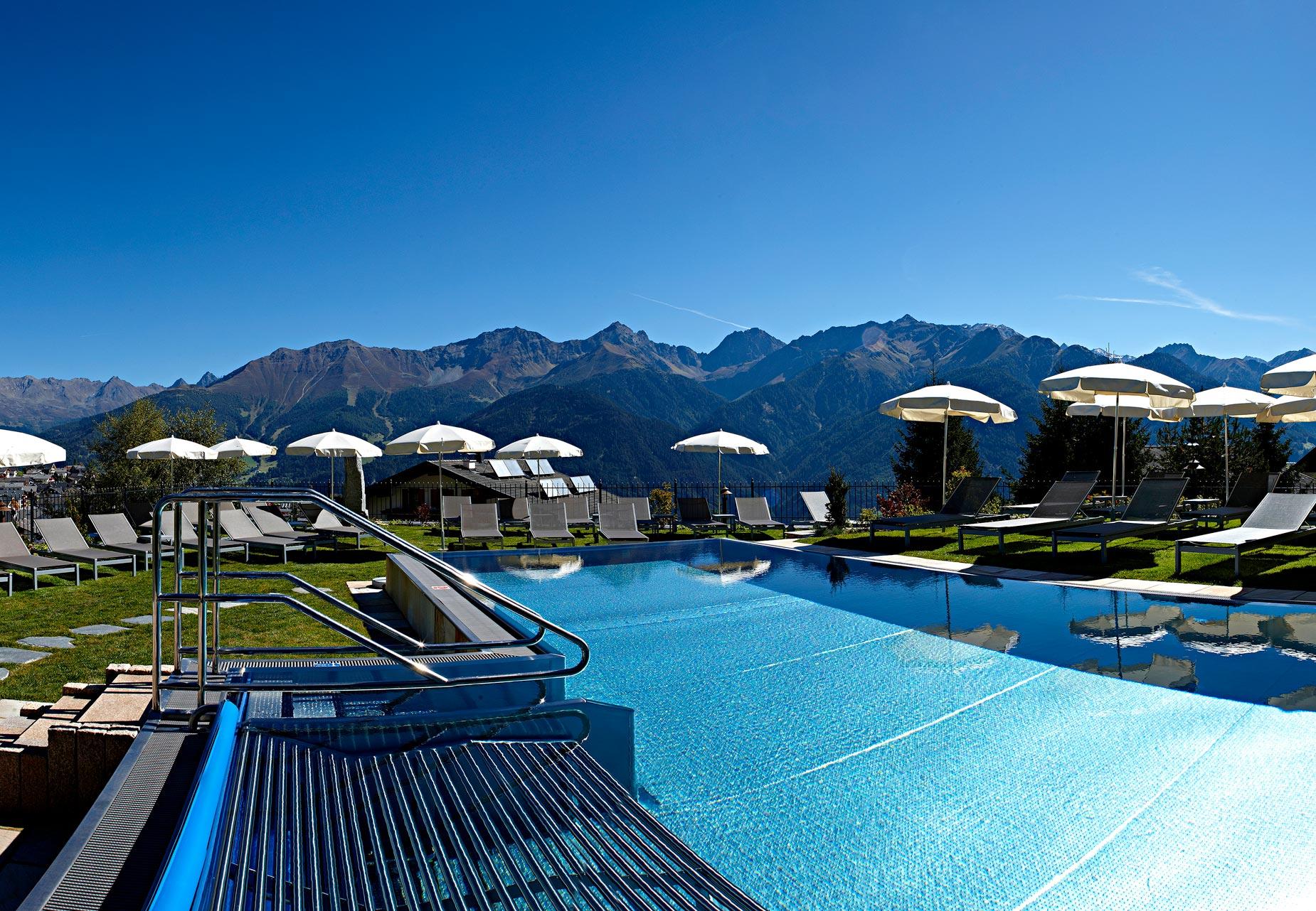 Schlosshotel-Fiss-outdoor-pool
