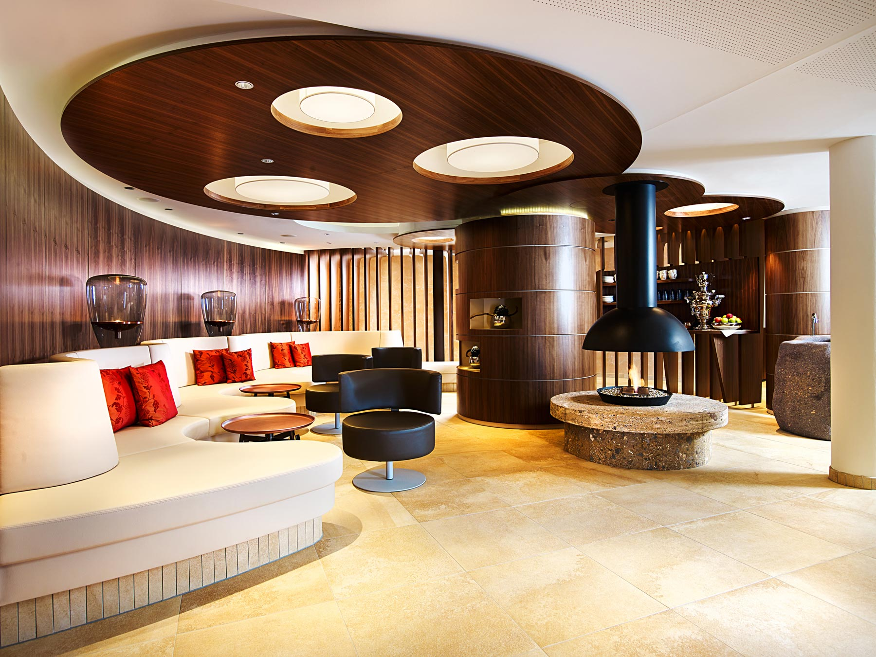 Schlosshotel-Fiss-spa-lounge