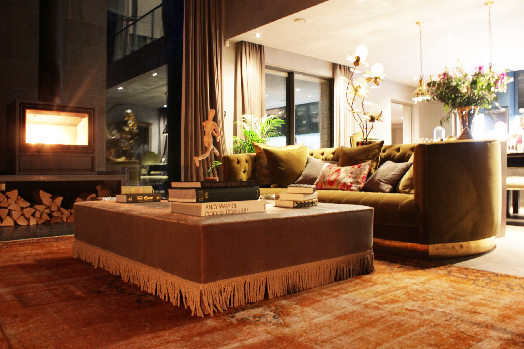 The-Lakes-by-Yoo-barnhouse-living-room