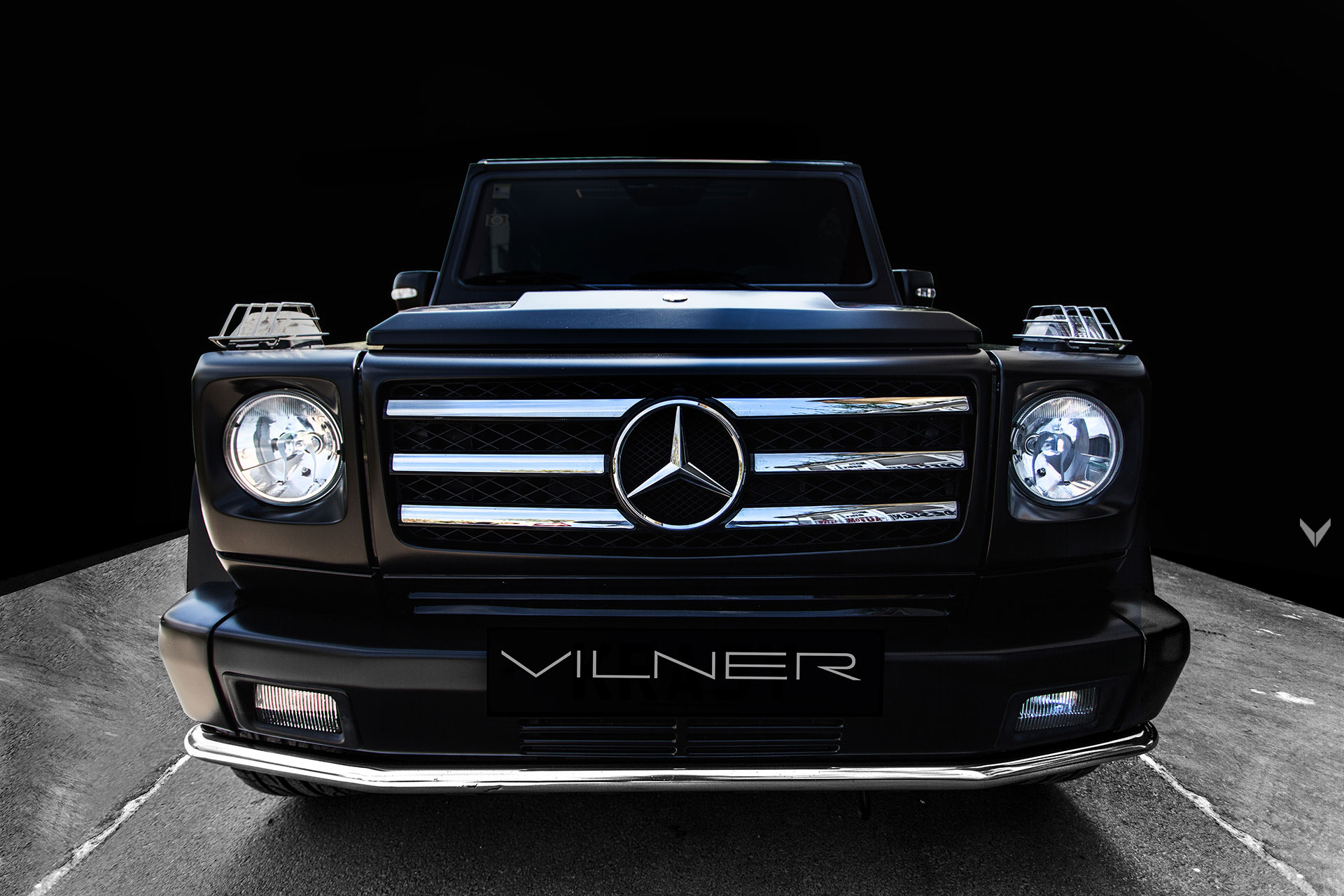 How to Make a Mercedes G 55 AMG Look Like a G 650 Maybach Landaulet 6