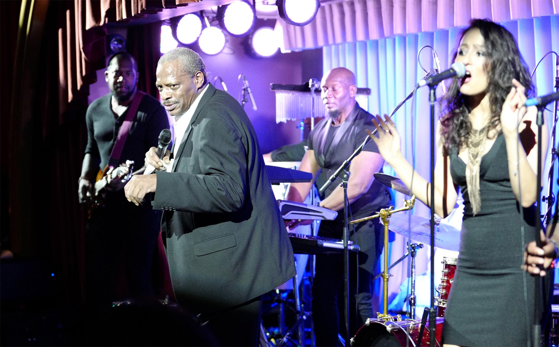 A Musical Masterclass by Alexander O'Neal at Quaglino's 8