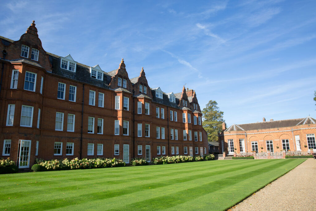 A Luxury Stay In Newmarket With The Jockey Club 5