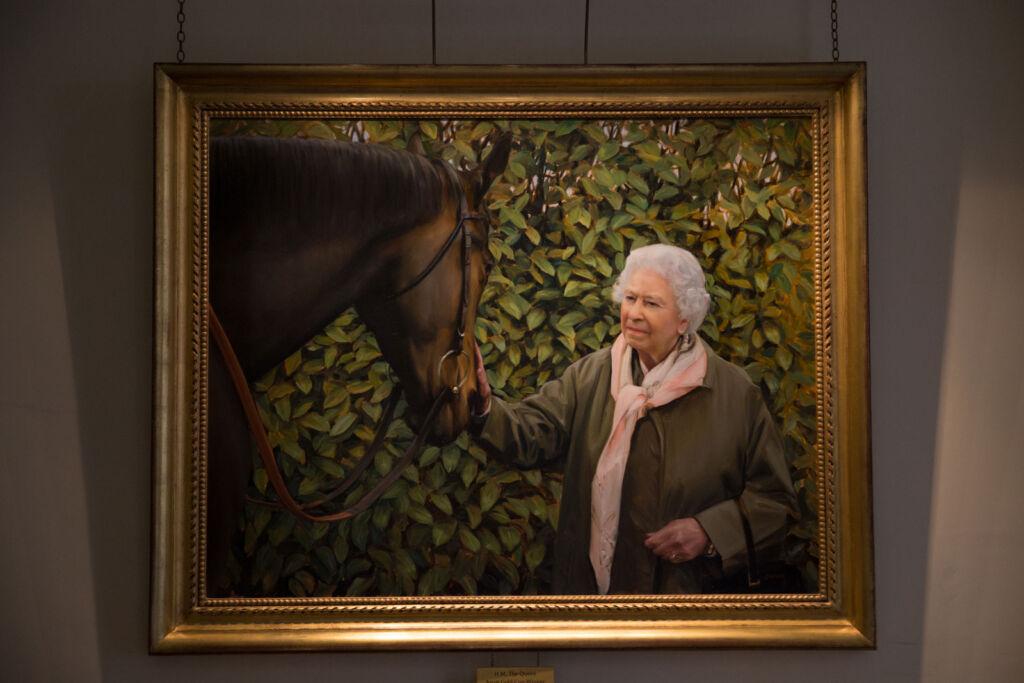 Painting of H.M Queen Elizabeth II at the Jockey Club.