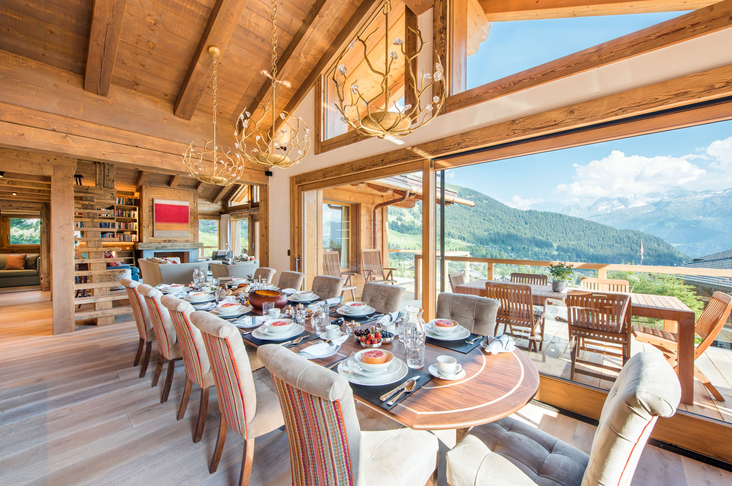 Nicola Hulbert Design Launches Luxurious Chalet Les Étrennes in Verbier 9