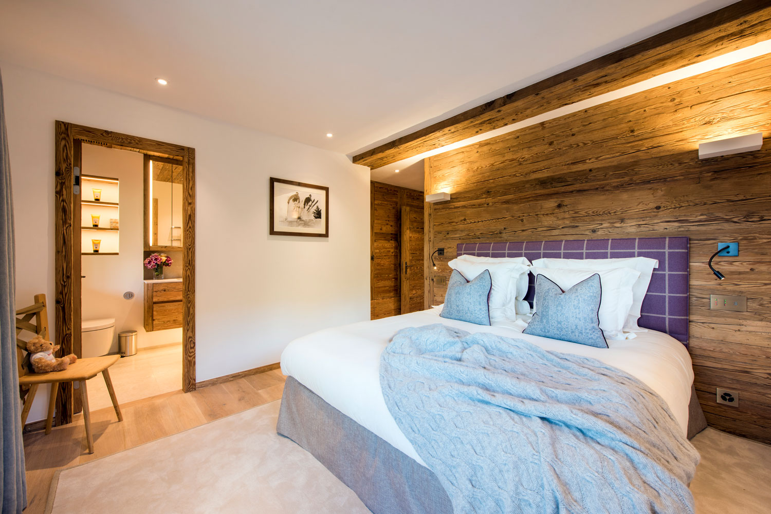 Nicola Hulbert Design Launches Luxurious Chalet Les Étrennes in Verbier 11