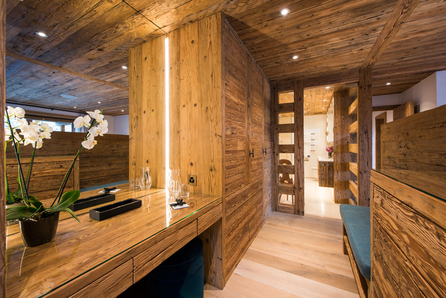 Nicola Hulbert Design Launches Luxurious Chalet Les Étrennes in Verbier 12