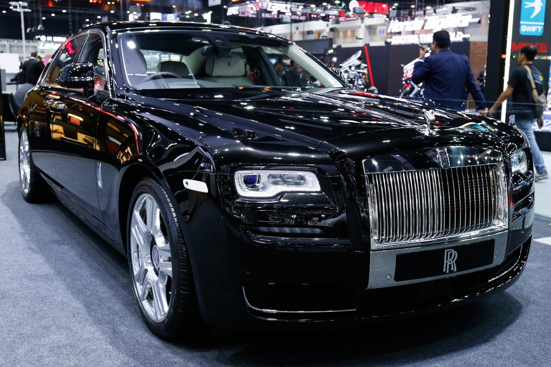 Rolls-Royce Inspires Vatanika Fashion Collection at Thai Motor Expo 10