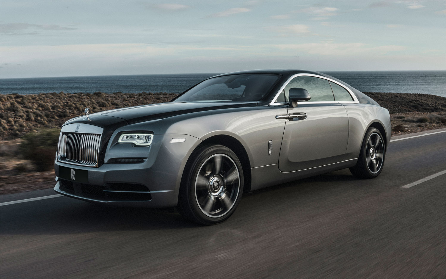 Rolls-Royce and Vatanika Present 'Effortless Luxury' at Thai Motor Expo 5